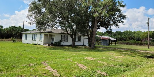 Markham area 3 bedroom 1 bath home on 2.47 Acres